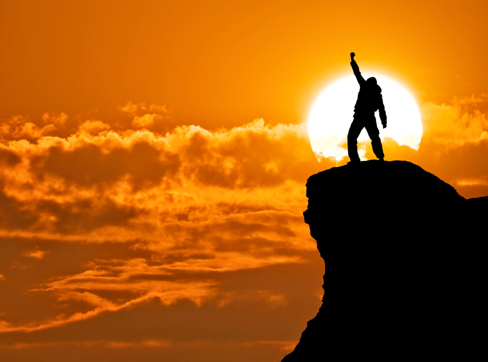 ... như lẽ thường của cuộc sống. Họ luôn có niềm tin vào một viễn cảnh tươi sáng và sẵn sàng đương đầu, thách thức với chúng và quyết tâm phải vượt qua.