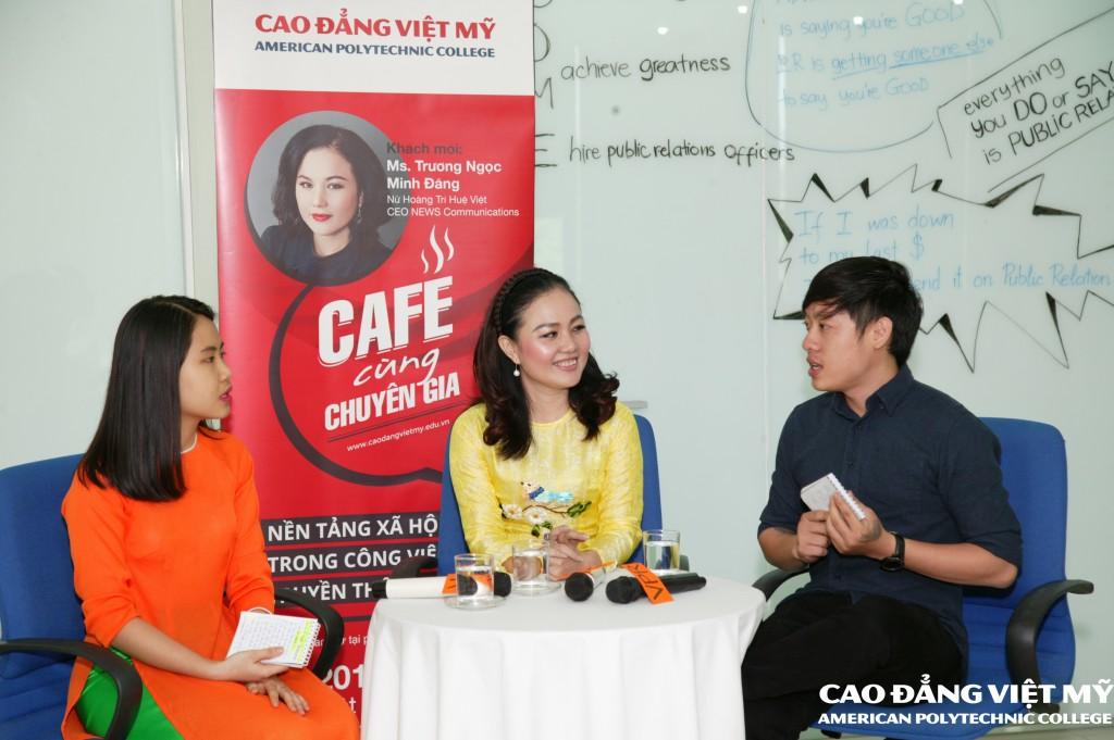 """""""Café Cùng Chuyên Gia""""- Học Gì Từ Talk Show? (03/04/2016)"""