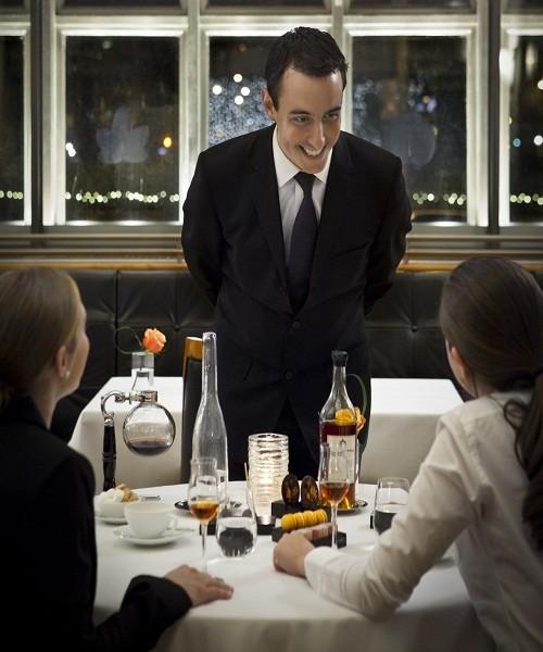 Để trở thành quản lý nhà hàng - khách sạn giỏi, cần lưu ý điều gì?