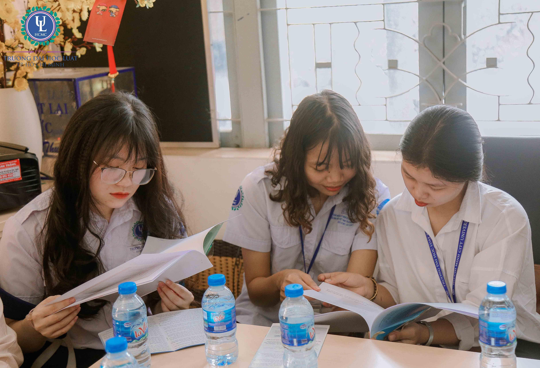 Sinh viên Luật tham quan thực tế Văn phòng Thừa phát lại Quận Thủ Đức