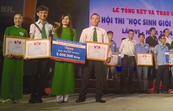 Học sinh Mai Linh Tham gia hội thi nghề TPHCM năm 2014