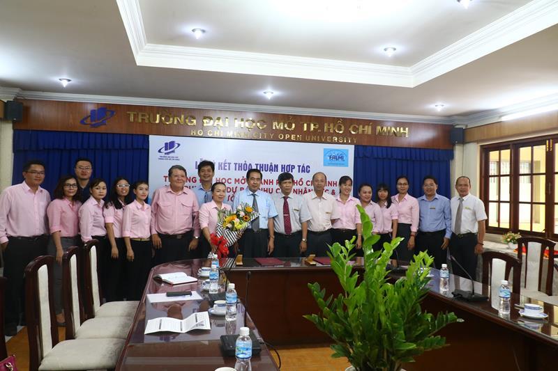 Lễ ký kết thỏa thuận hợp tác giữa Trường Đại học Mở Thành phố Hồ Chí Minh (OU) và Trung tâm Dự báo nhu cầu nhân lực & Thông tin thị trường lao động.