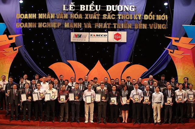 """Ocean Edu nhận danh hiệu """"Doanh nghiệp mạnh và phát triển bền vững 2015"""""""