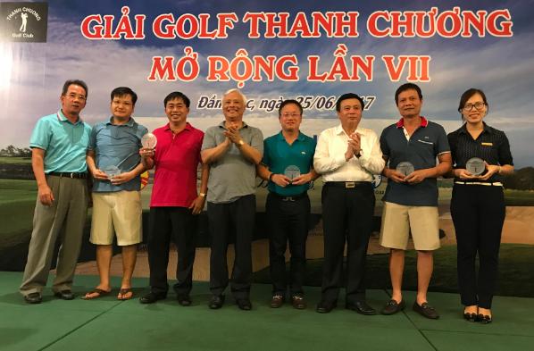 Eurowindow tài trợ giải Golf Thanh Chương mở rộng 2017