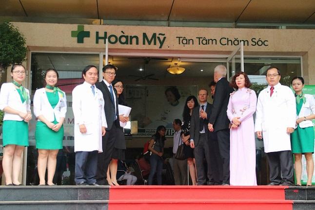 BỘ TRƯỞNG BỘ Y TẾ thăm & làm việc tại Bệnh viện Hoàn Mỹ Sài Gòn