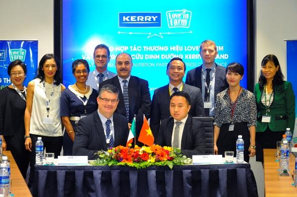 Sữa Việt đầu tiên hợp tác chiến lược với tập đoàn dinh dưỡng quốc tế
