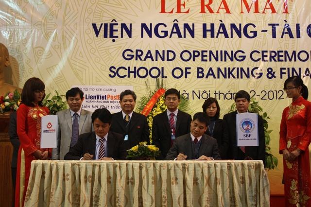 Lễ ra mắt Viện Ngân hàng Tài chính - Trường Đại học Kinh tế quốc dân