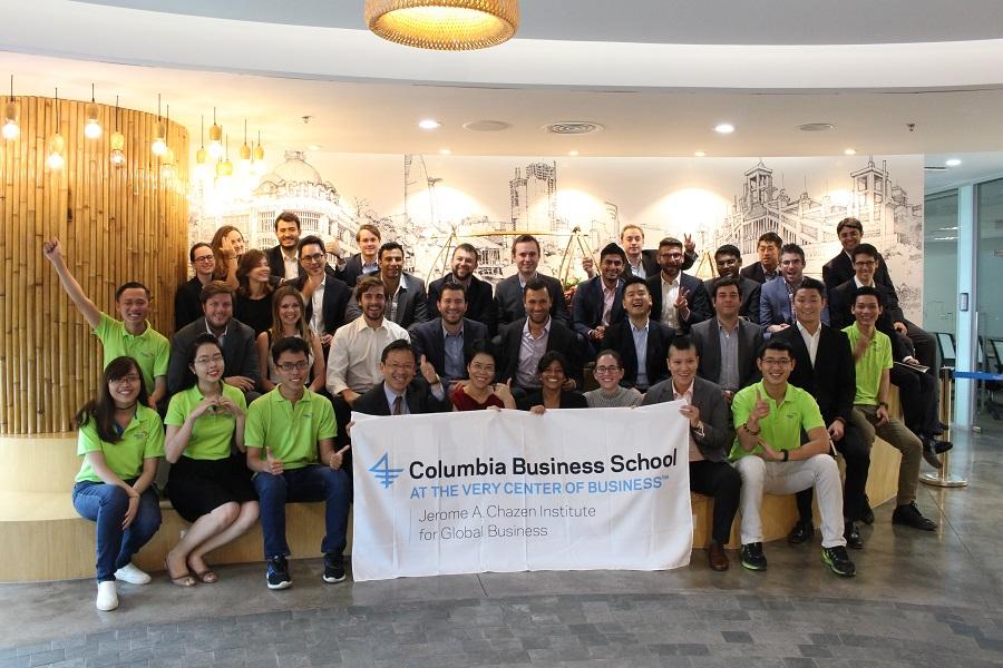 Hơn 30 sinh viên đang theo học MBA tại Trường Columbia Business School – Mỹ thăm Masan Consumer Corporation