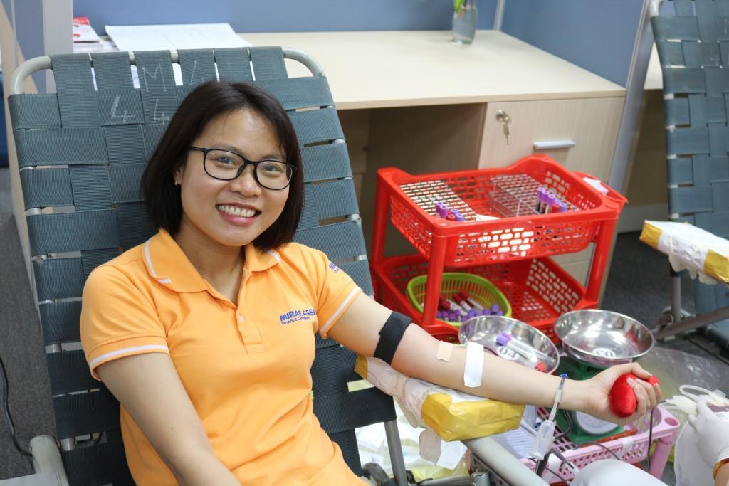 Nhân viên Mirae Asset nhiệt tình tham gia hiến máu nhân đạo