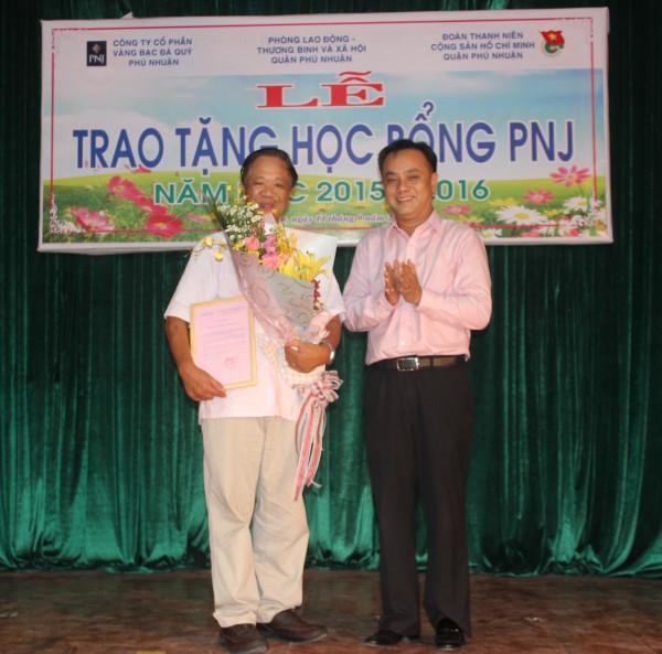 15 năm học bổng PNJ đồng hành với học sinh – sinh viên quận Phú Nhuận