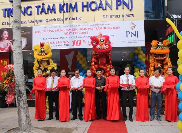 Chào đón 06 thành viên mới gia nhập hệ thống bán lẻ PNJ