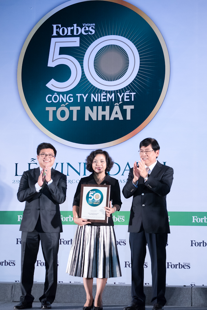 PNJ lần thứ 3 liên tiếp có mặt trong TOP 50 công ty niêm yết tốt nhất Việt Nam