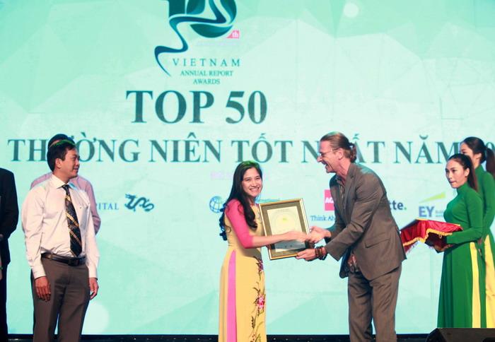 PNJ được vinh danh trong top 50 Báo cáo Thường niên tốt nhất năm 2016