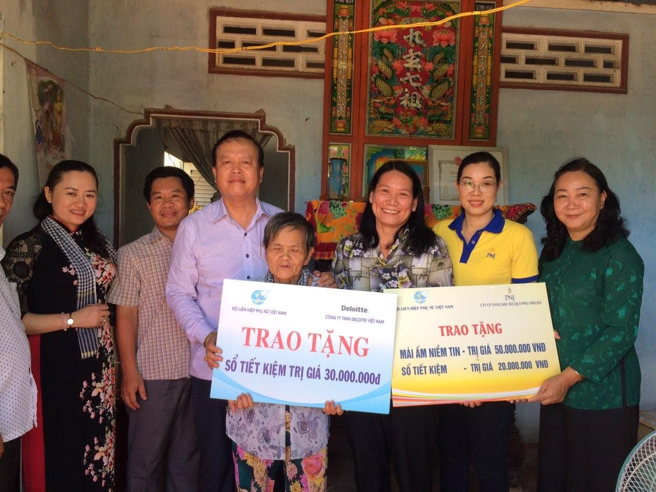 """PNJ Tặng Mái Ấm Niềm Tin Và Sổ Tiết Kiệm Cho """"Ân Nhân"""" Của Nữ Tướng Nguyễn Thị Định"""