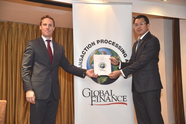 Sacombank nhận giải thưởng Ngân hàng cung cấp ngoại hối tốt nhất tại Việt Nam 2015
