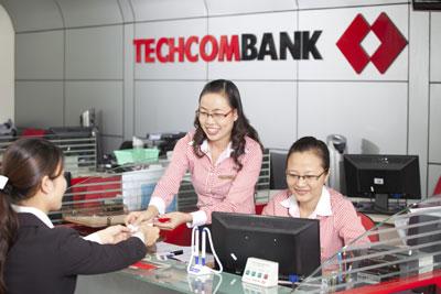 Ngân hàng thương mại cổ phần đầu tiên công bố thưởng Tết - Techcombank