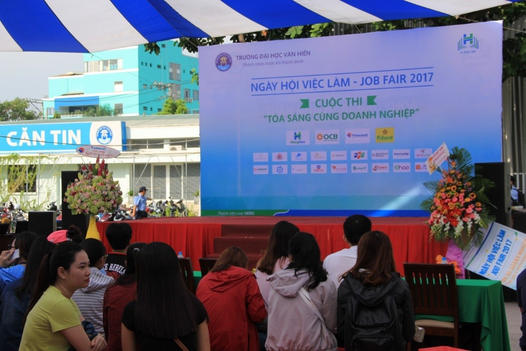 Vietravel tham gia ngày hội việc làm tại Đại học Văn Hiến