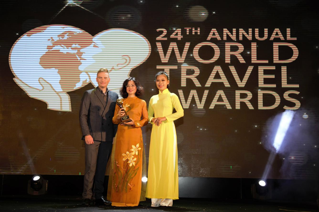 "10/12/2017 - Vietravel được vinh danh ""World's Leading Group Tour"" năm 2017"